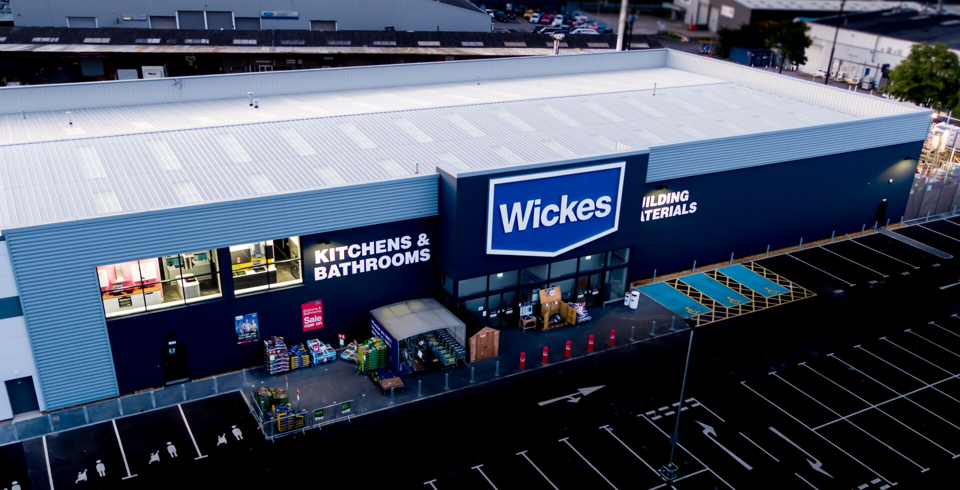 Wickes, Farnborough, Tata Steel Construction Trisomet Roof System