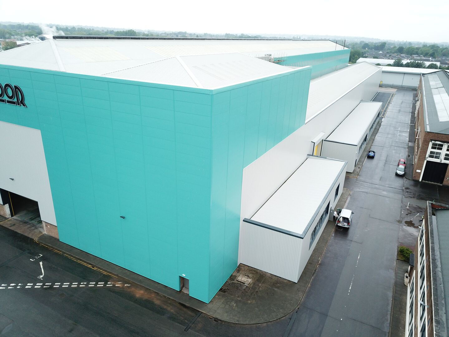 Southmoor Park Industrial Estate refurbished warehouse using Trimapanel