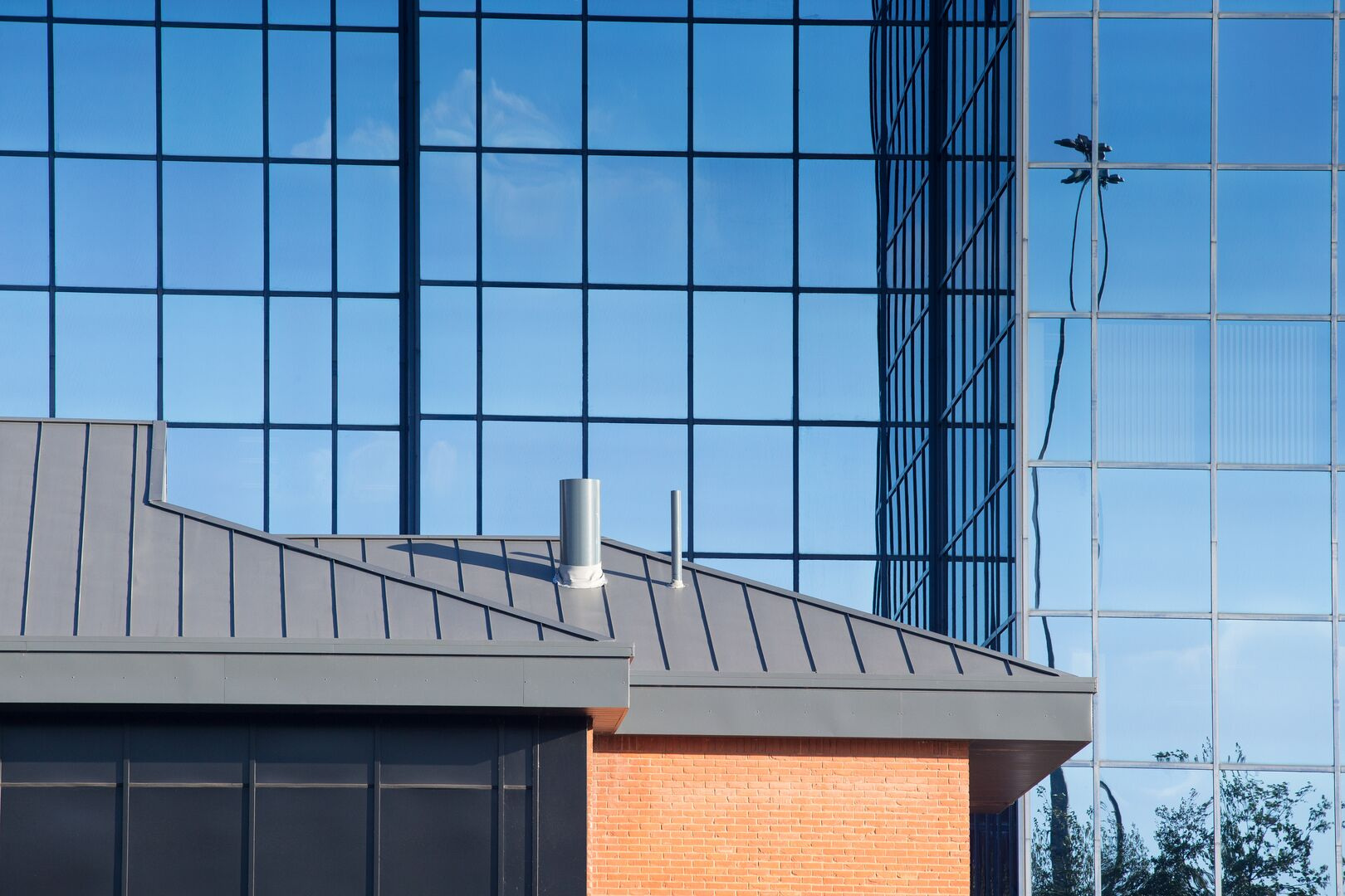 Salford Quays office featuring Colorcoat Urban standing seam cladding