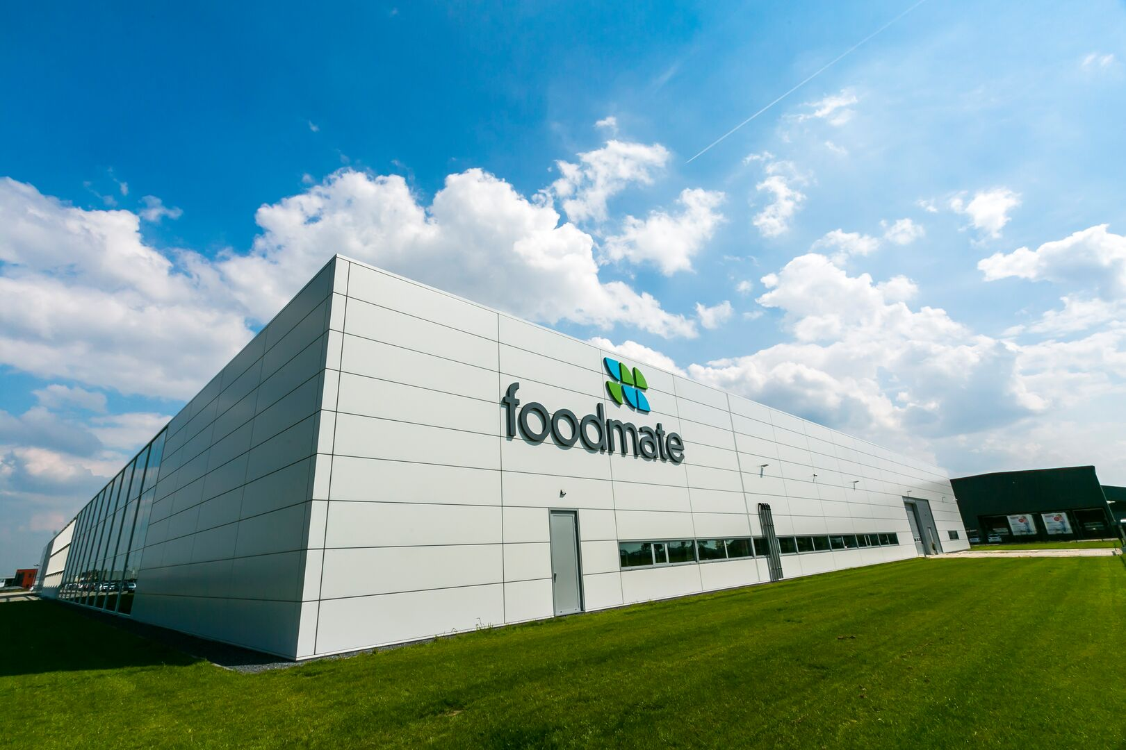 Foodmate warehouse using Colorcoat Prisma