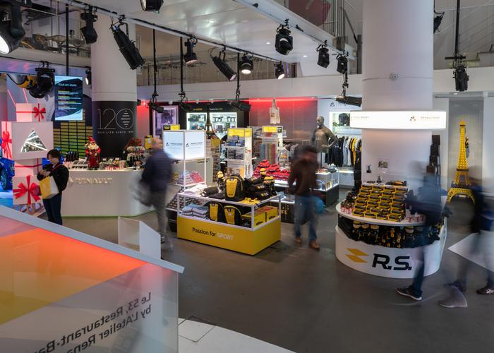 700 x 500 - Atelier Renault