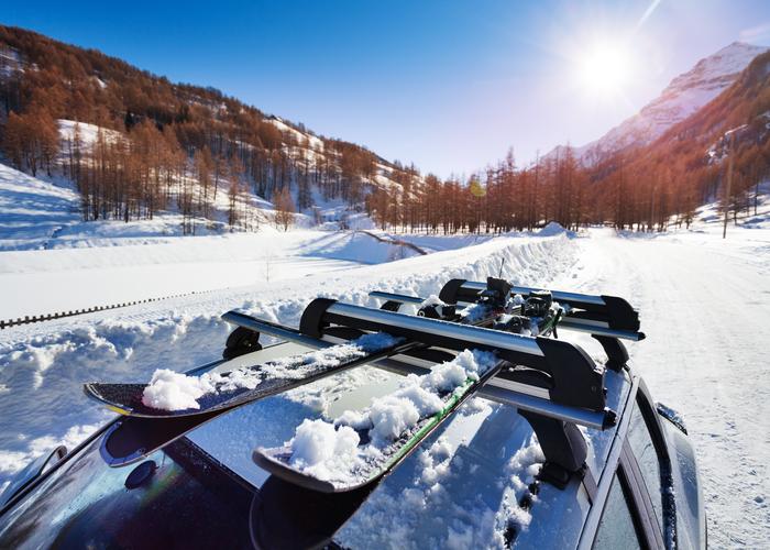 700 x 500- Porte skis