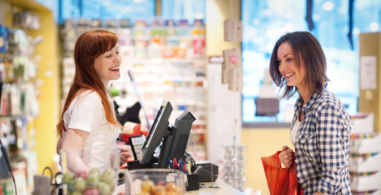 Butikkselger og kunde
