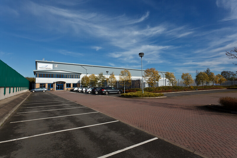 Logicor completes new letting with Lloyds Transport in Relay Park, Tamworth