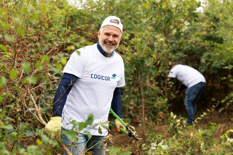 European community spaces rejuvenated on Logicor Employee Volunteer Day