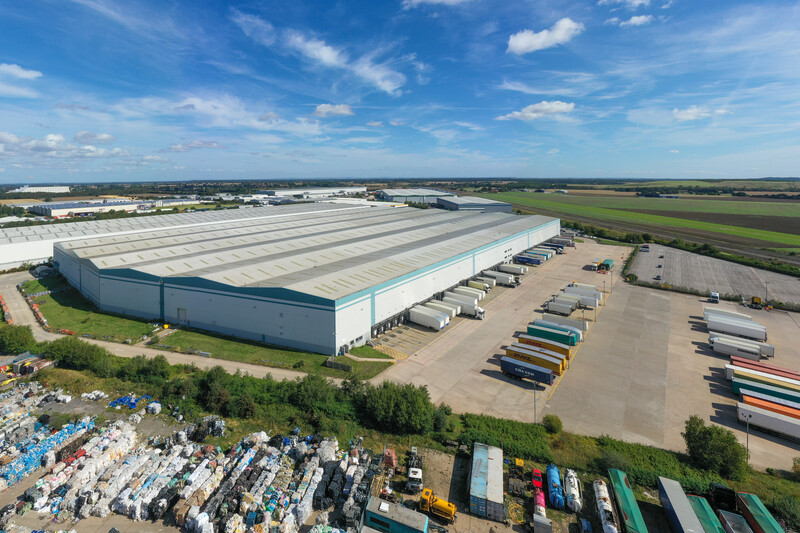 Logicor UK team completes the largest UK letting