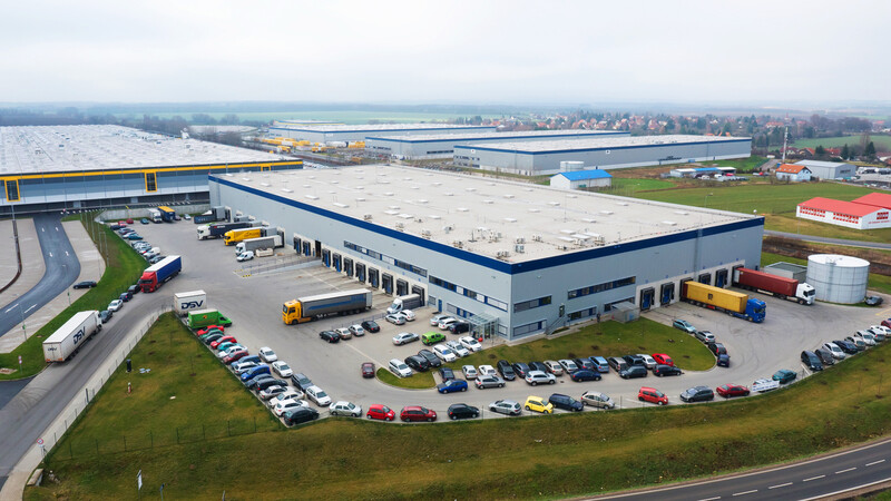 Logicor leases logistics warehouse at Prague Airport to cargo-partner