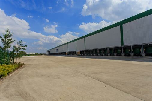 Logicor leases largest available UK warehouse to L&G Homes
