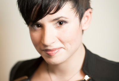 Photograph of author Laurie Penny