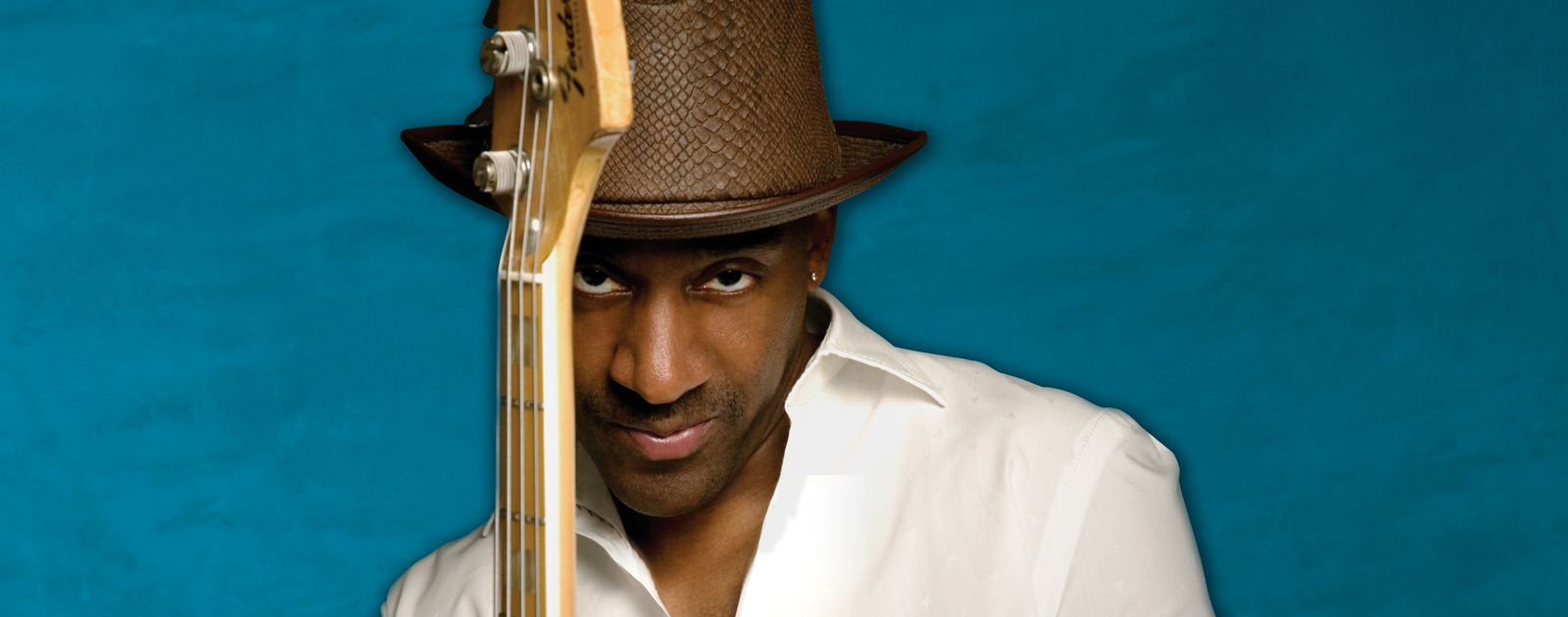 Marcus Miller with a guitar
