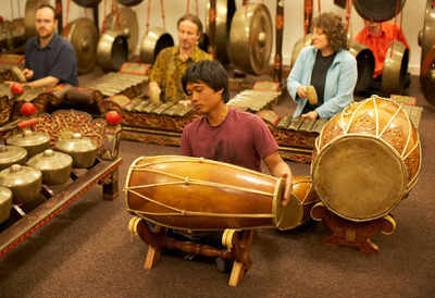 People at the Gamelan Monday Beginner Course