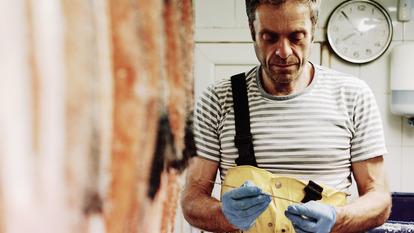 Gunnar Lieungh in the smokehouse