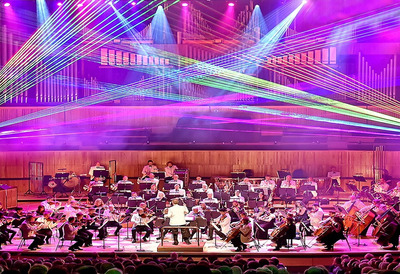 Image of Orchestra playing