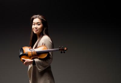 Violinist, Esther Yoo